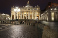 Saint Peter Cathedral by night